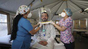 Hospital en Bogotá usa cascos 'burbuja' en pacientes COVID