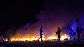 Secesionistas catalanes bloquean autovías durante una huelga