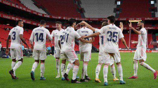 Real Madrid mantiene vivas las opciones de título