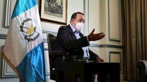 Alejandro Giammattei, presidente de Guatemala, dijo que el sistema Covax ha sido un fracaso.