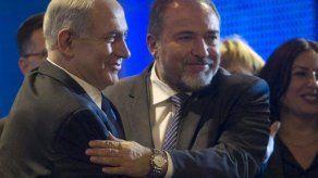 Israel acusa al ex canciller Lieberman de fraude