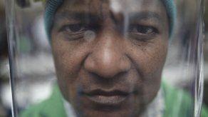 Artista rinde tributo a activistas asesinados en Colombia