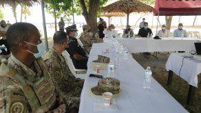 El ministro de Seguridad Pública, Juan Manuel Pino en una mesa de trabajo con autoridades de la provincia de Panamá Oeste.