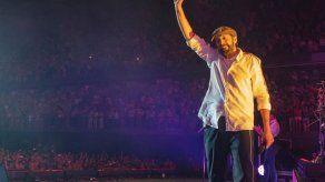 Juan Luis Guerra estrena el video de su tema Lámpara pa mis pies