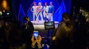 ABBA vuelve a subir a un escenario por aniversario de integrantes