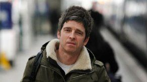 Noel Gallagher se enfrenta al personal de Heathrow