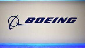 Boeing deja en tierra a decenas de aviones tras descubrir fisuras