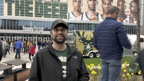 Bucks tiene a Milwaukee soñando en su 1er título desde 1971