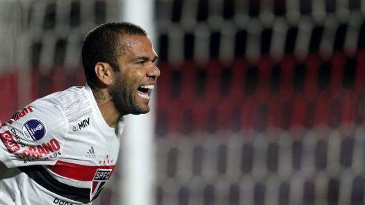 Dani Alves y Vinicius novedades de Brasil para eliminatorias