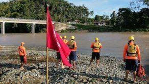 Colocan banderas rojas y amarillas en playas y ríos por mal tiempo y fuertes oleajes
