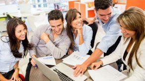 Temas que no debes hablar con tus compañeros de trabajo
