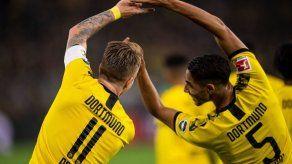 Borussia Dortmund domina 2-0 al Slavia de Praga con doblete de Hakimi