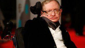 La voz de Stephen Hawking viaja al espacio durante su funeral