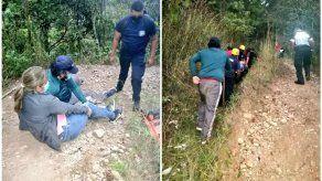 Rescatan a dos personas en sendero de Volcancito