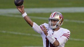Garoppolo lanza 3 TDS y 49ers vencen 24-16 a Rams