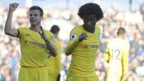 Chelsea y Man United ganan en la Premier