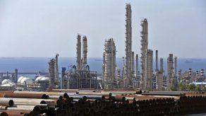Irán acelera el enriquecimiento de uranio y EEUU le acusa de chantaje