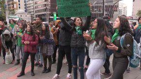 Ecuatorianas marchan para exigir despenalización aborto