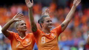 Holanda vence a Camerún 3-1 en Mundial femenino y avanza