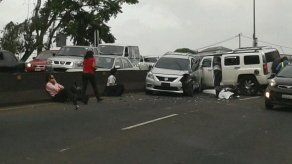 Accidente en tercer carril se registra en Loma Cová