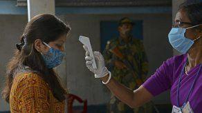 El número de casos de covid-19 y muertes en proporción a la población sigue siendo significativamente menor en India que en muchos otros países.