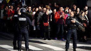 Primer interrogatorio al asaltante del Louvre en París resulta infructuoso