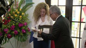 Erika Ender recibe las Llaves de la Ciudad de Panamá