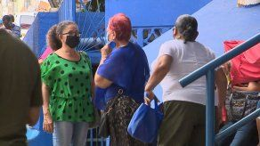 Billeteros de la Plaza Víctor Julio Gutiérrez denuncian firma de contratos por cubículos de acrílico