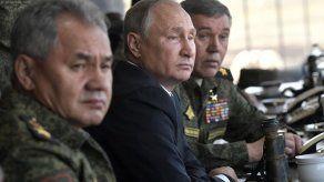 Putin supervisa masivas maniobras militares rusas en Siberia