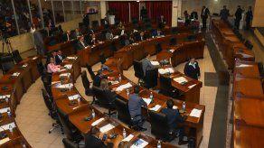 Diputado Ávila entrega al pleno de la AN resolución para retiro del Acto N°1 que reforma la Constitución