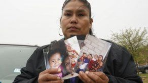 EEUU: Madres esperan reunirse con hijos que cruzan frontera