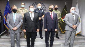 Director interino de la DEA se reúne con ministro Pino y Procurador Ulloa