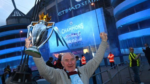 Manchester City reconquista la Premier y sueña con la Champions