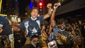 Fans de Lakers y Dodgers contribuyen a repunte de COVID-19