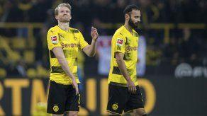Dortmund excluye a Aubameyang y empata sin goles