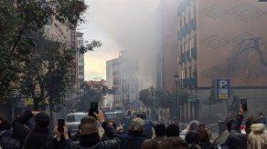Fuerte explosión derrumba parte de un edificio en el centro de Madrid