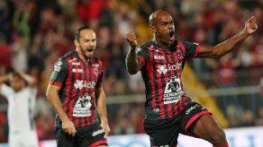 Adolfo Machado jugará la final del fútbol tico con Alajuelense