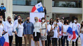 El Movimiento Panamá Decide presentó el pasado 11 de mayo ante el Tribunal Electoral la solicitud para que se autorice la recolección de firmas para convocar a una Constituyente Paralela.