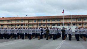 Más de 130 nuevos oficiales se graduaron de ESOPOL