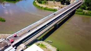 Panamá y Costa Rica inauguran puente binacional financiado por México