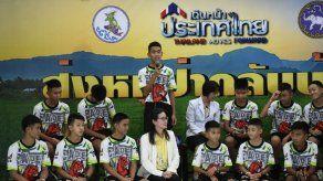 Los doce niños de Tailandia cuentan su odisea tras recibir el alta médica