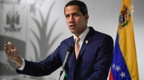 Opositor Guaidó anuncia acciones legales para invalidar título de deuda venezolana