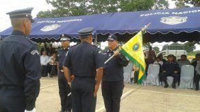 Entregan banderín de mando a nuevo jefe de la Zona Policial de Veraguas