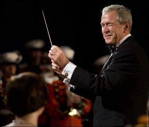 Oliver Stone estrenará film sobre Bush antes de elección