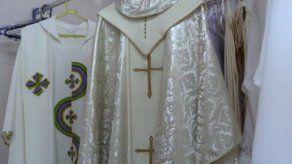 El vestuario africano del papa