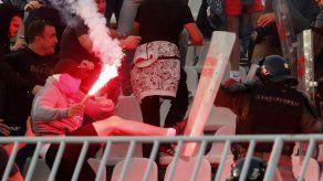 UEFA castiga a Estrella Roja por racismo de hinchas