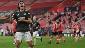 Manchester United remonta 3-2 contra Southampton con un heroico Cavani