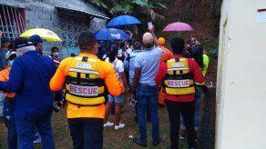 Evacúan a 12 familias en Mano de Piedra por residir en zonas de riesgo