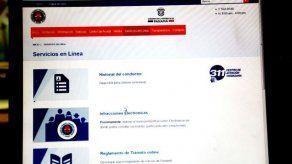 ATTT arreglará historial de usuaria que tramitó licencia por primera vez y tenía 25 boletas
