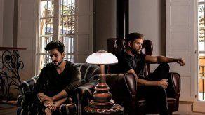 Camilo y Pablo Alborán dan voz al duelo de las despedidas con El mismo aire